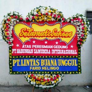 bunga papan selamat sukses